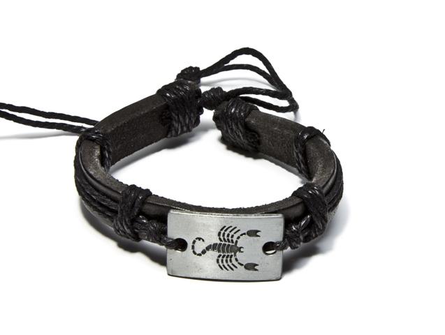 Кожаный браслет своими руками с металлической вставкой 159